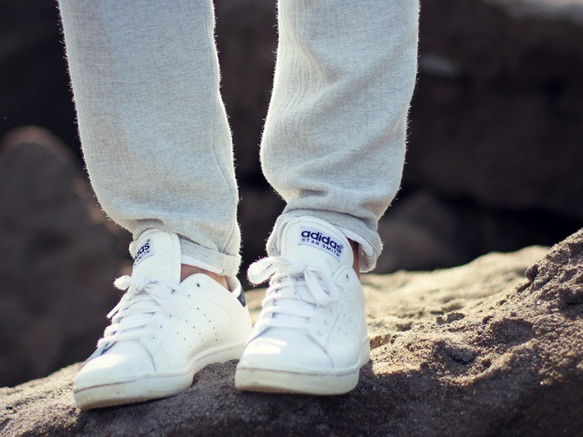 title_white-sneakers_8-25-14