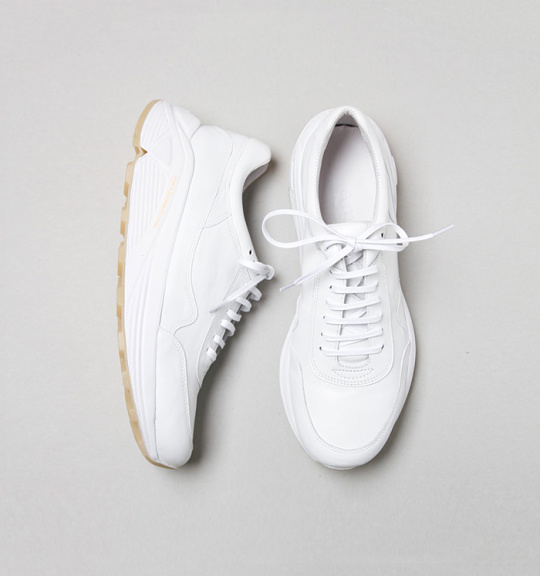 Summer-White-Sneaker-Guide-01-540x576
