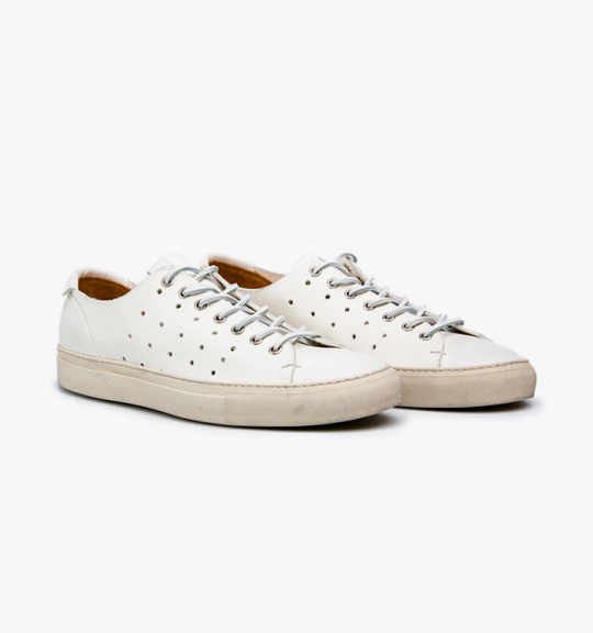 Summer-White-Sneaker-Guide-15-540x576